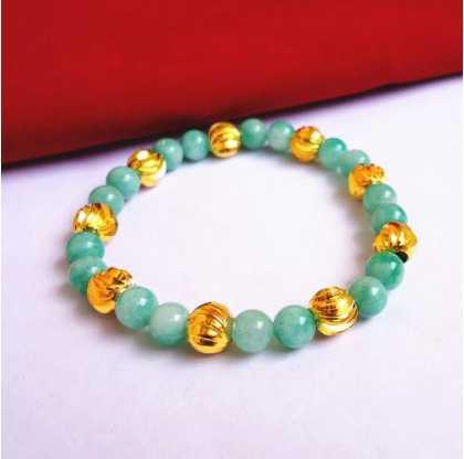 翡翠玉珠与黄金珠子的正确搭配